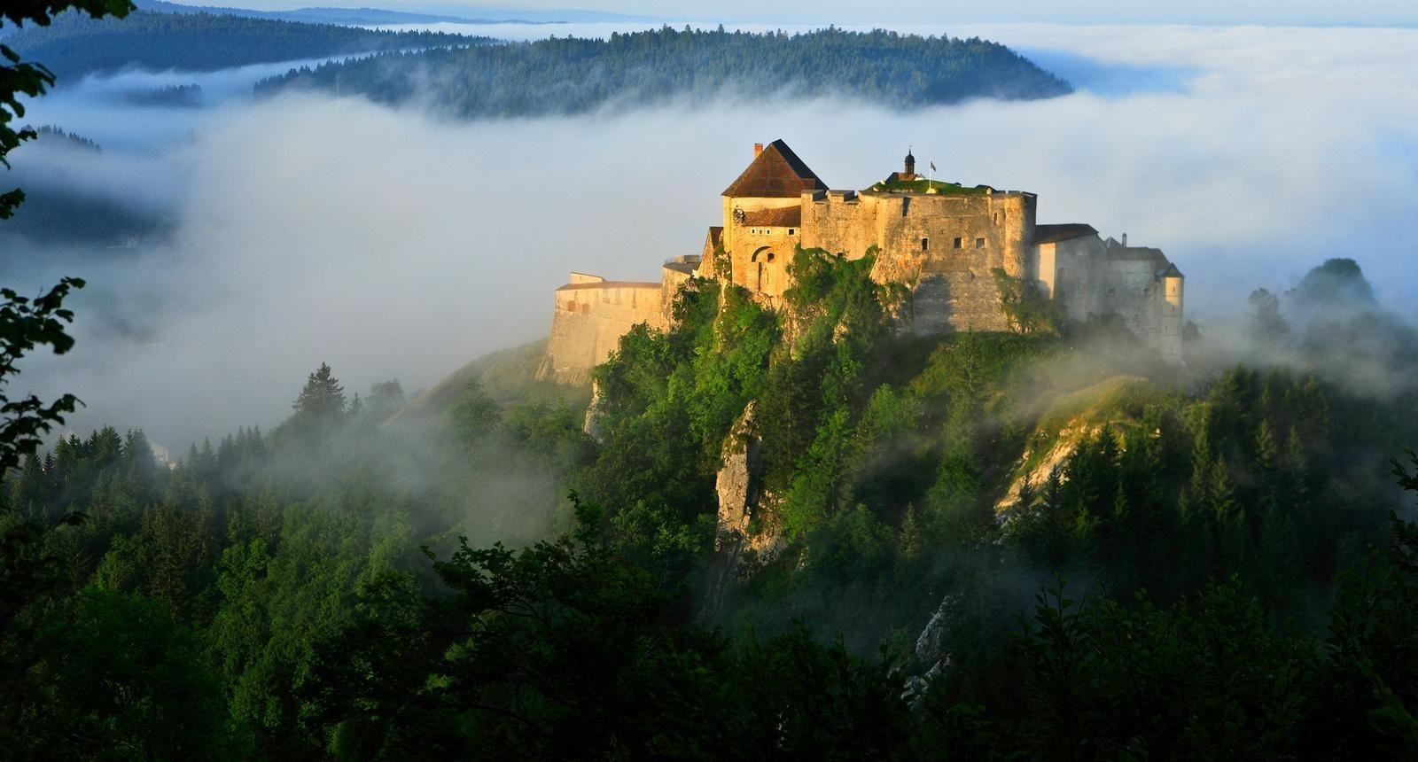 Joux Castle, Jura, Franche-comte, достопримечательности Франш Комте Franche-Comté (Франш-Конте)